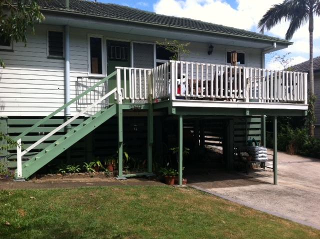 old verandah oun outdoor entertainment area