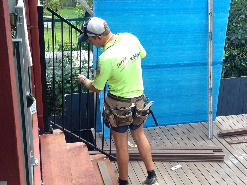 fitting balastrade for deck stairs by Adaptit